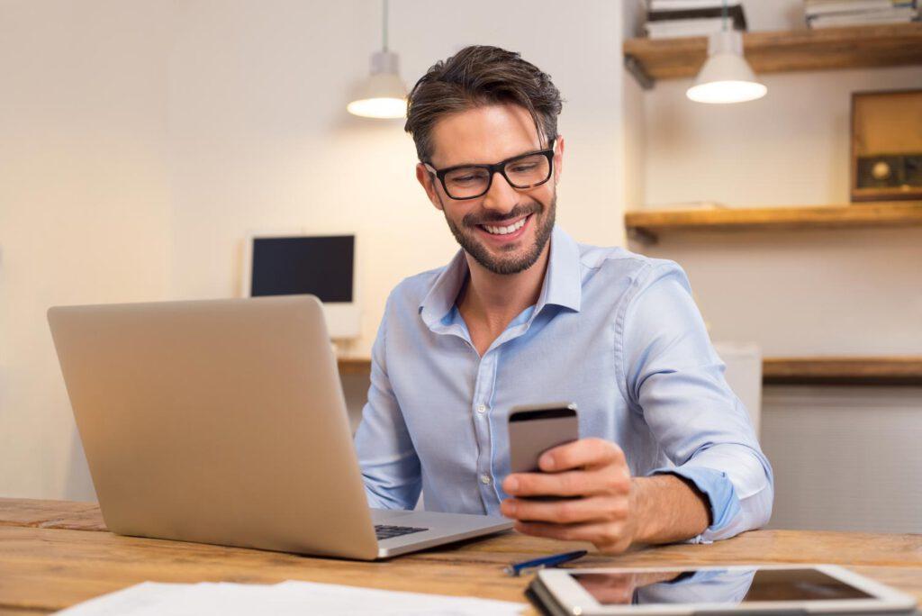 Mann Handy Dating App Corona tinder